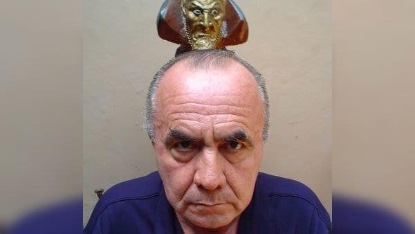 El Papa Negro Héctor Escobar