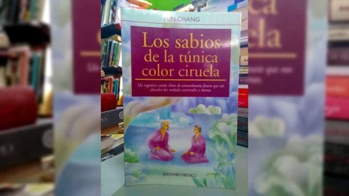 Sabios de la Túnica Color Ciruela