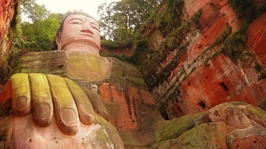 Un Buda Colosal