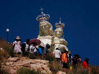 Monumento de la Virgen del Socavón