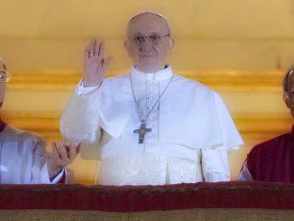 Por Primera Vez en la Historia un Papa Latino - Papa Francisco