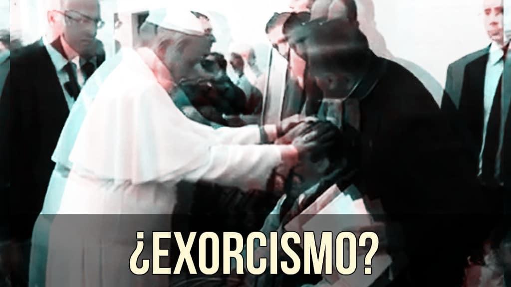 ¿Exorcismo del Papa Francisco a un joven?