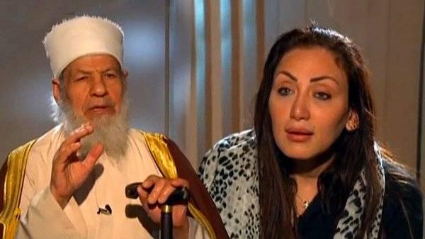Periodista egipcia se quita el velo en directo ante un imán: Lo uso por Dios, no por ti