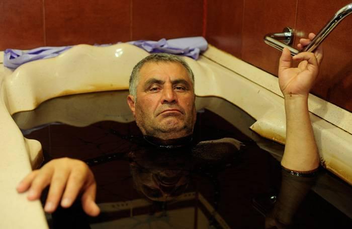 Bañarse en petróleo