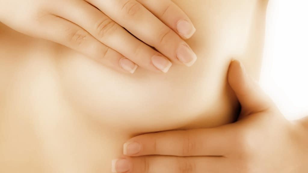 Conflictos emocionales que pueden afectar tus senos