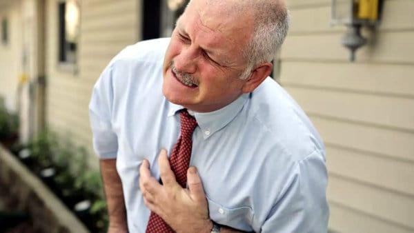 ataque cardíaco y agua