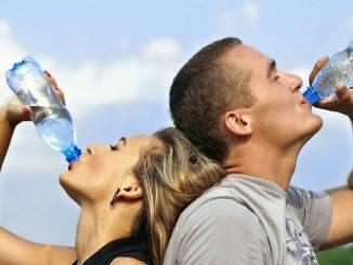 Beneficios que aporta tomar un vaso de agua en ayunas
