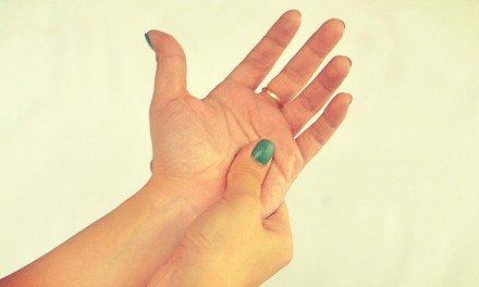Terapia de presión en las manos