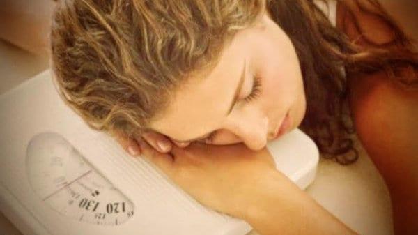 dormir no engorda