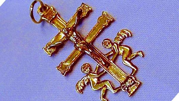 La Cruz de Caravaca — Rituales de protección
