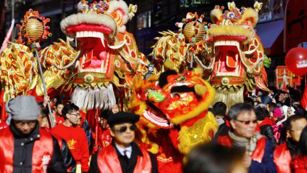 Barrios chinos en USA reciben al año de la cabra