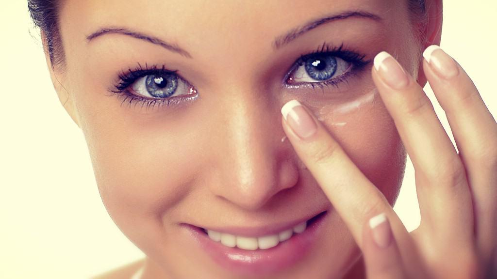 Eliminar círculos oscuros bajo los ojos