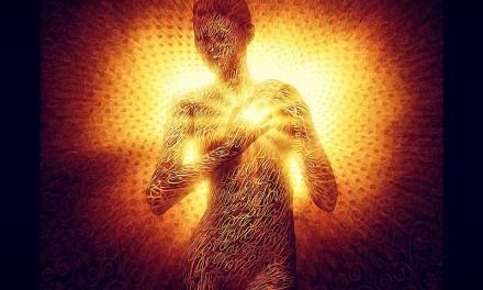 Kabbalah — La Luz es Luz sólo si proviene de la oscuridad