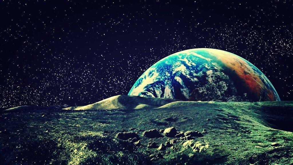 Luna se aleja de la Tierra
