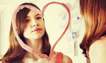 Mujeres que necesitan enamorarse para reafirmar su autoestima