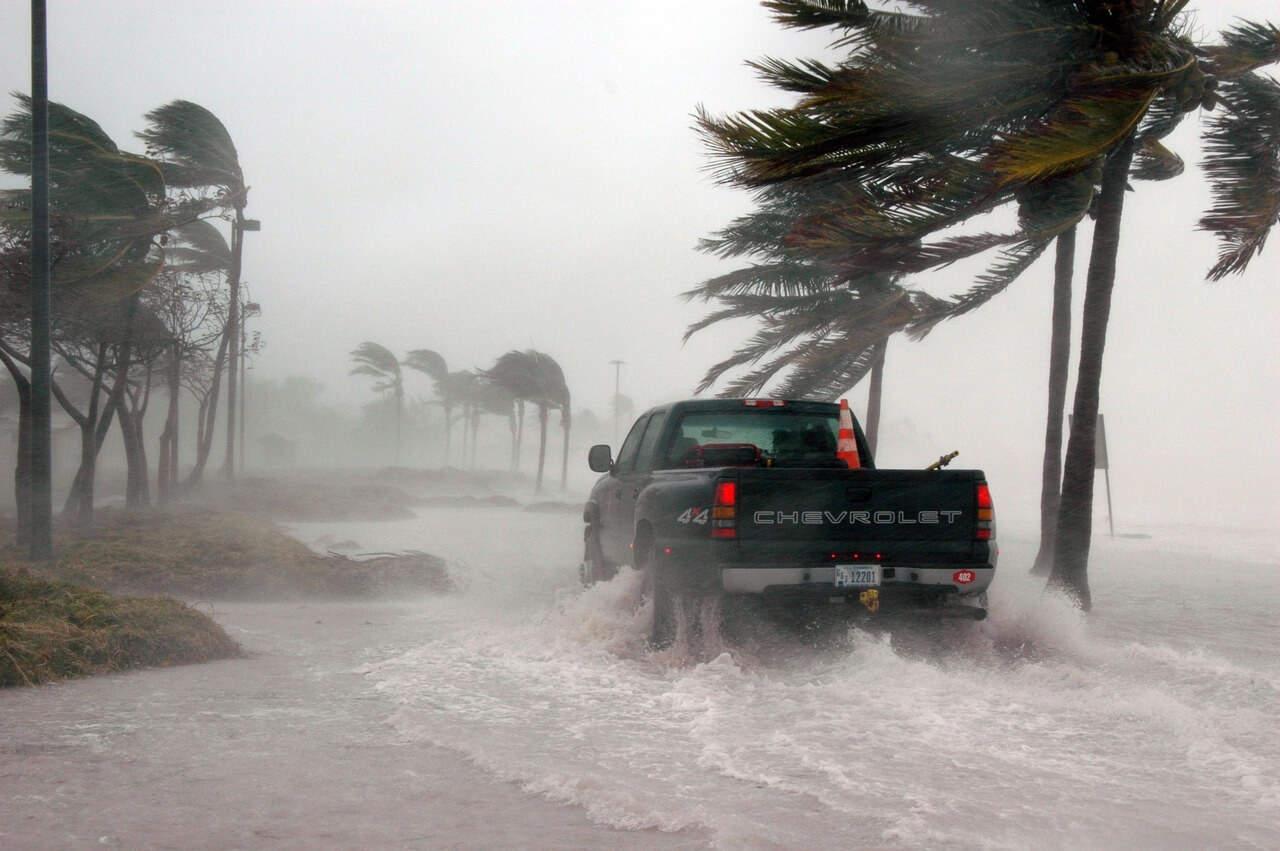 Presidente Trump: los huracanes Harvey, Irma, José y Katia están tratando de enviarle un mensaje. ¡No lo ignore!
