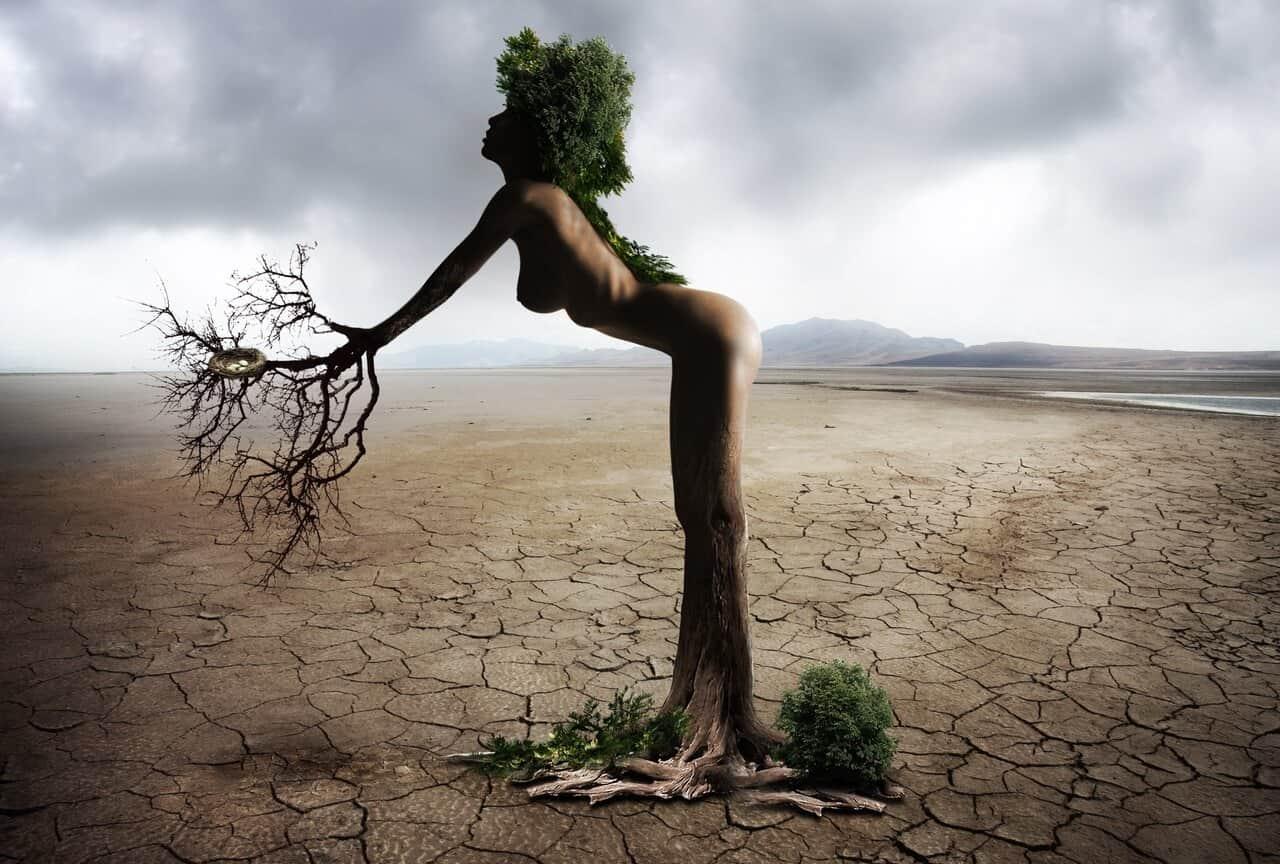 La mujer tiene un poder natural de abundancia