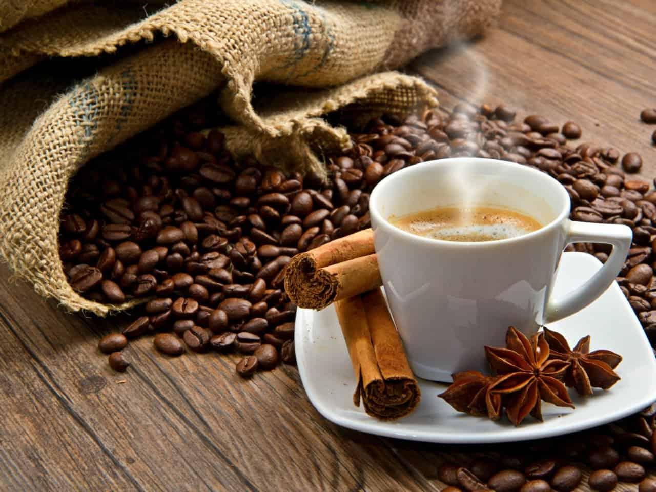 Beneficios de tomar café con canela para tu salud