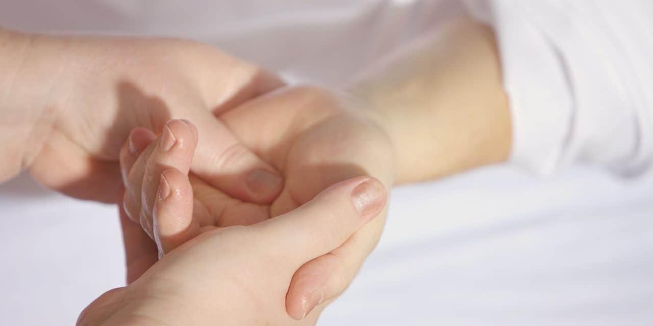 Efectos de la imposición de manos para la salud