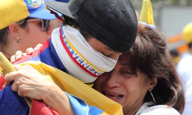 Predicciones Agosto 2018 – Tarotista José Iglesias para Venezuela