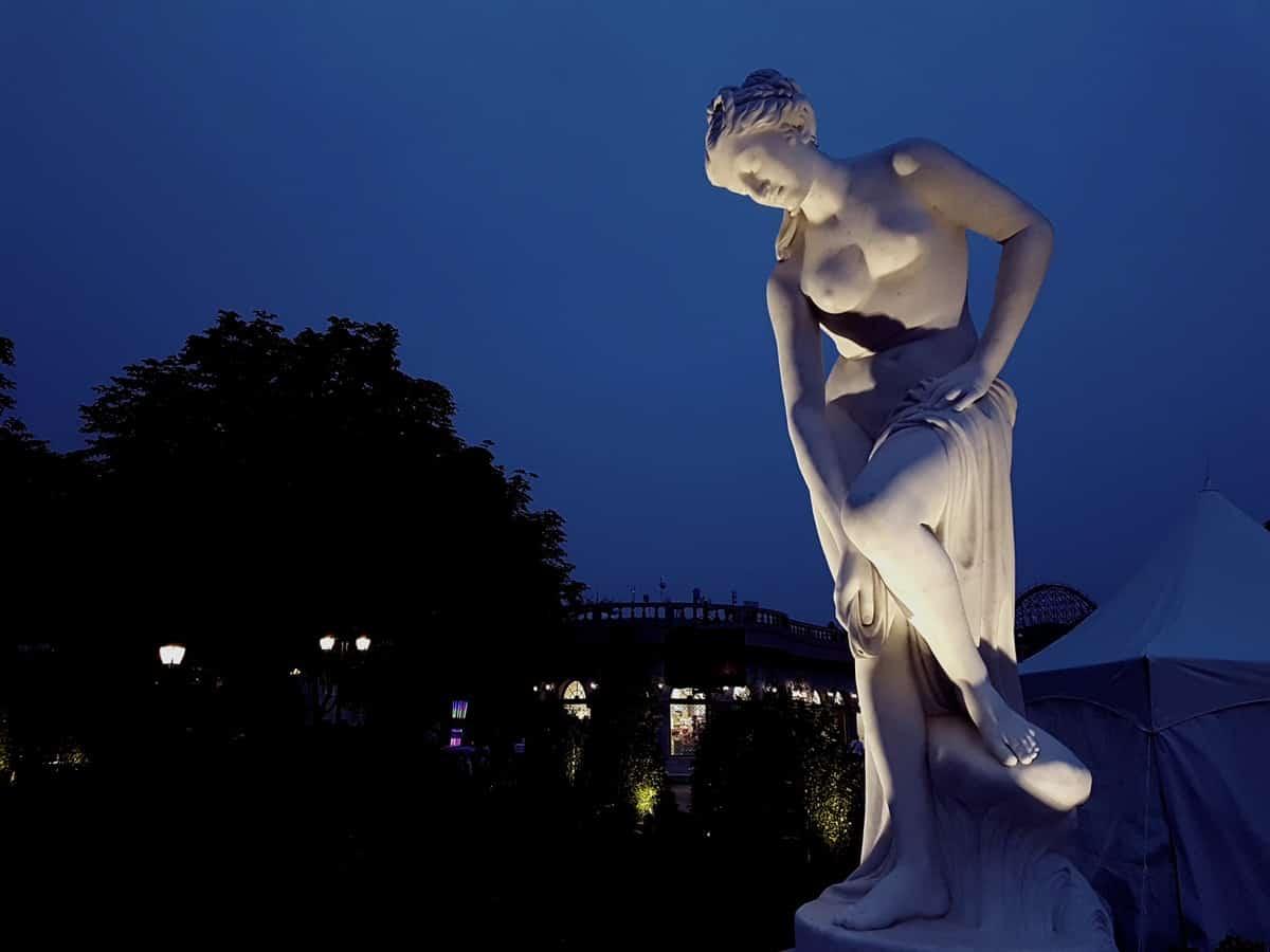 Venus y Kirón en Aries y Sol Urano